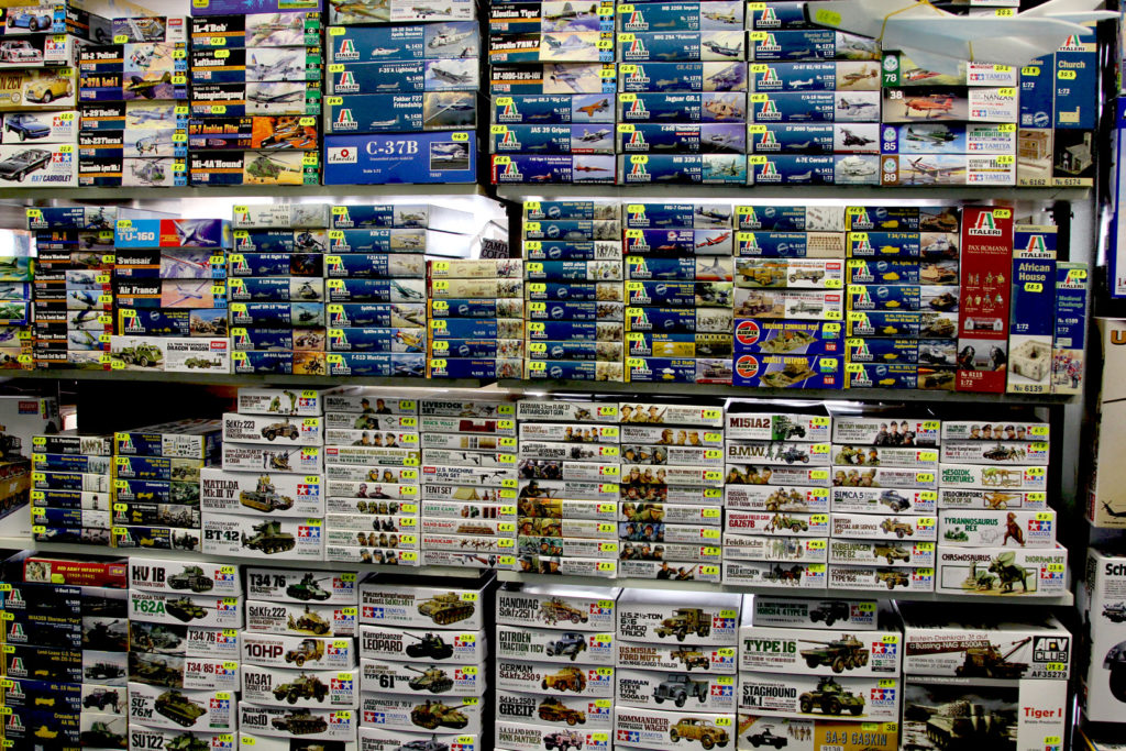 Асортимент збірних моделей в Модельному магазині Олімпієць