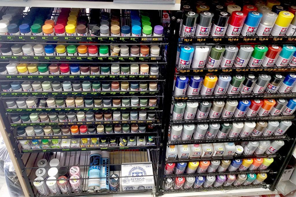 Асортимент фарб та модельної хімії в Модельному магазині Олімпієць